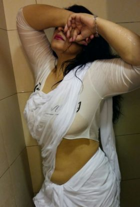 Attractive Arab Call Girl in UAE +971565315439